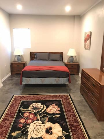 A Diamond Hideaway / 1 bedroom 1 bathroom sleeps 4