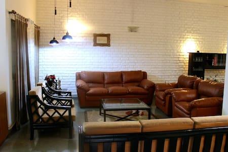 Quiet room in a tastefully designed villa