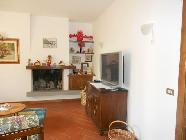 Accogliente ampio appartamento - Gavinana - อพาร์ทเมนท์
