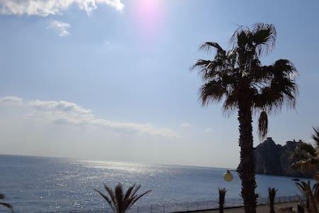 Una casa sul mare vicino Taormina! - Sant'Alessio Siculo