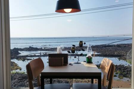 9.8km distances from the Airport! Ocean View! 202 - Jeju-si
