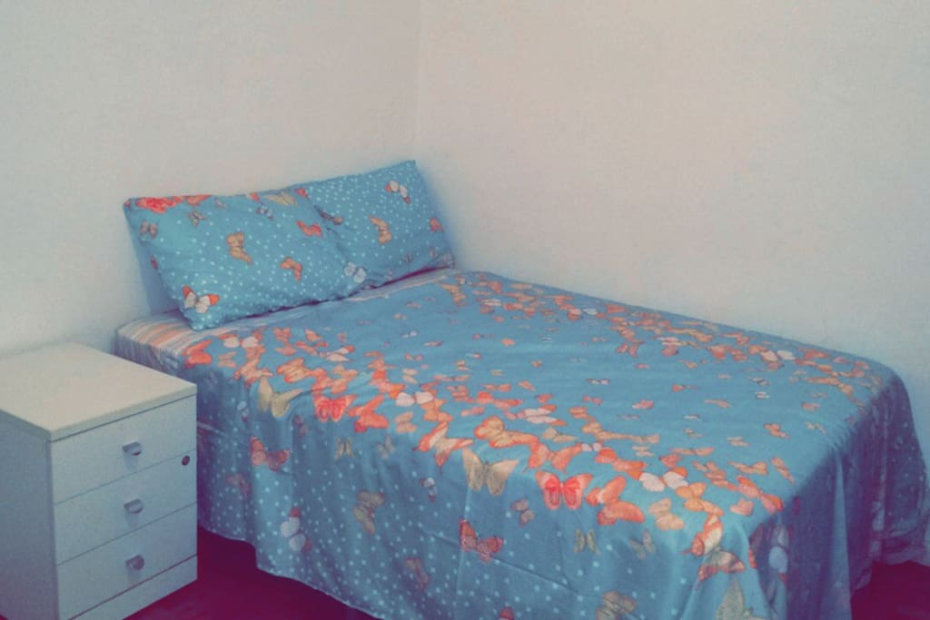 quarto 1: com cama de casal