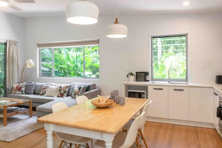 🔥Cosy Fireplace🔥 Noosa Hinterland Rainforest Villa