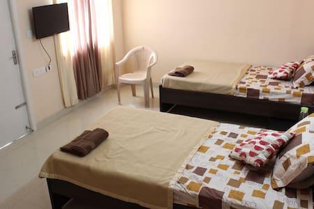 Boomerang Homestay, Peelamedu - Coimbatore - Lakás
