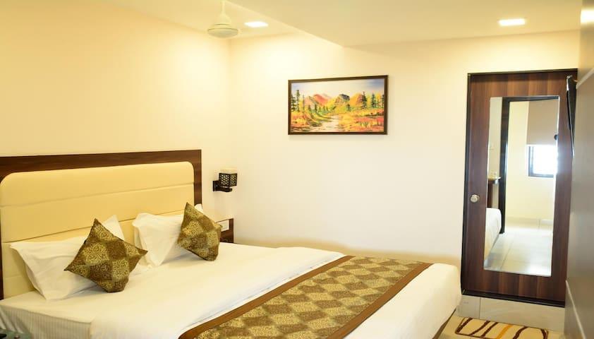 Standard Private Room @ Lime Tree, Jamnagar