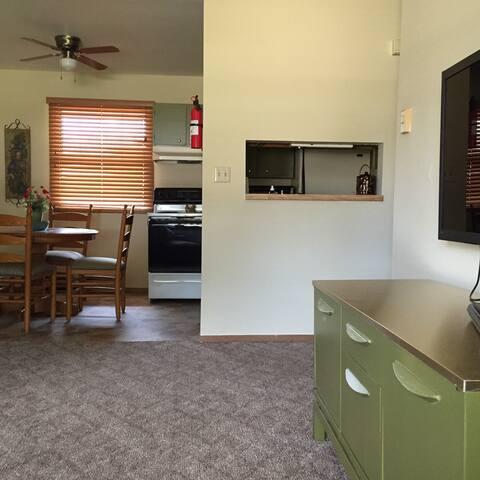 Classic Home Style Apartment! - Winslow - Apartament