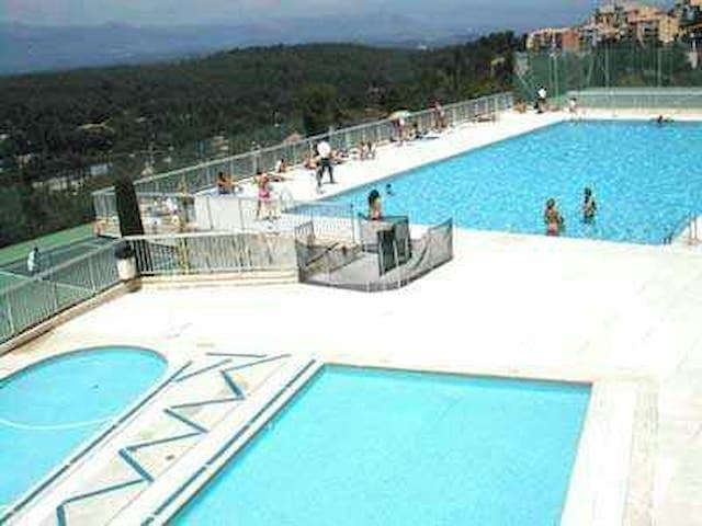 Beau 2 pièces duplex avec piscine - Mougins - Huoneisto