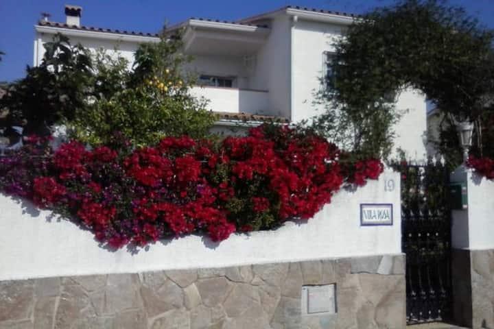 Acogedora single room. 5 min Sitges y Vilanova