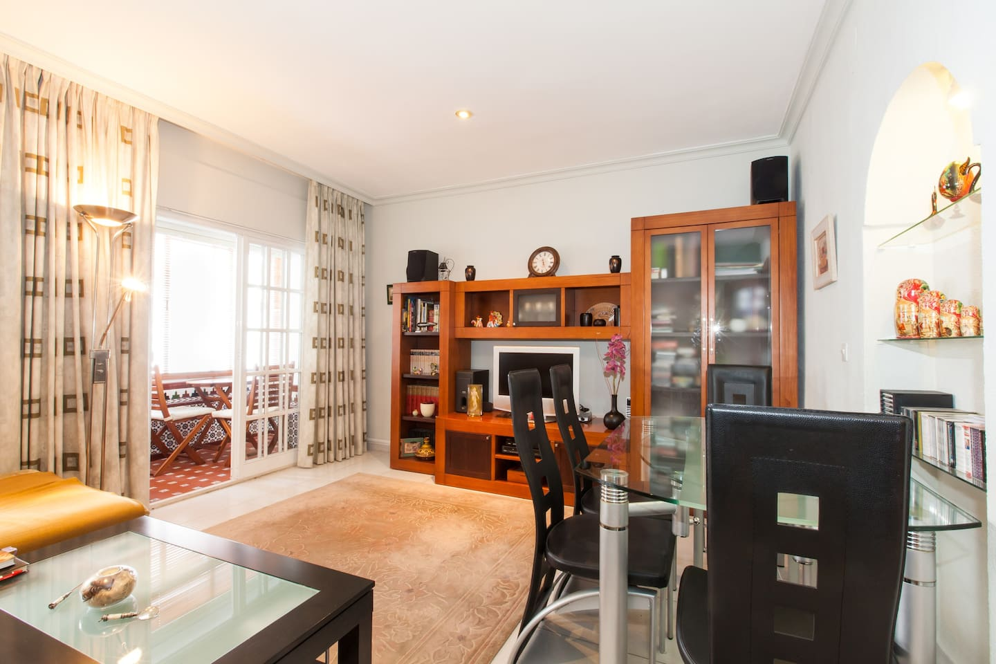We share this living room and dining area with our guests