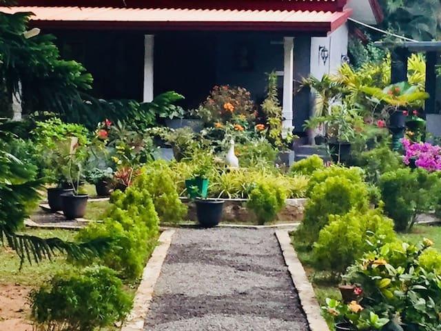Yalegoda walauwa cottage (02)