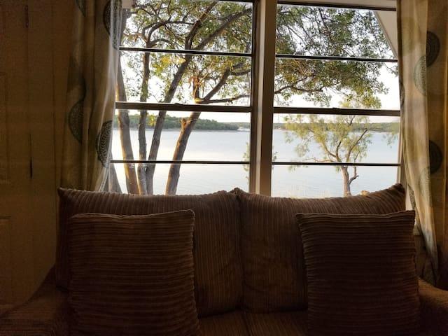 Gorgeous lake views from inside!