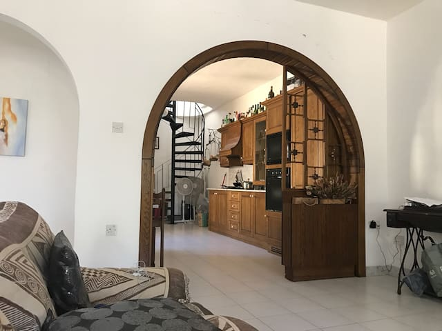 350€/montly - Is-Swieqi - Hus