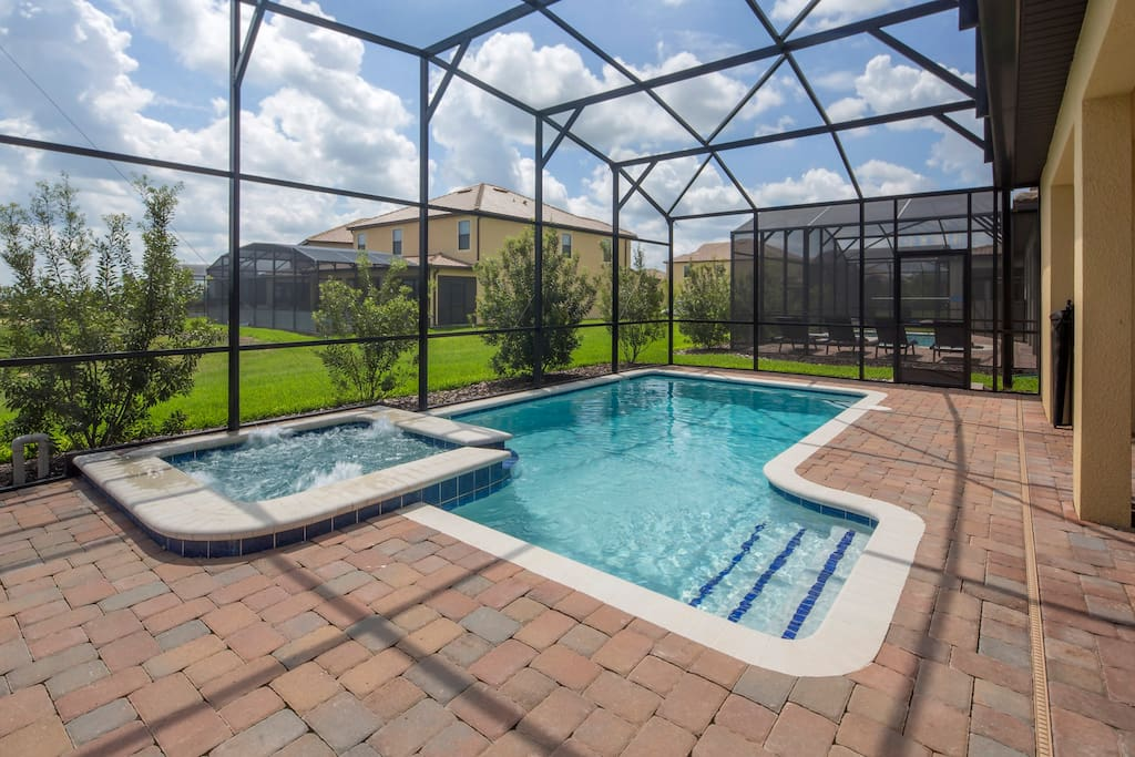 You and your family can make memories to last a lifetime when you stay at this home-away-from-home. Spend hours with the family soaking up the sunshine in and around this crystal clear pool and spa.