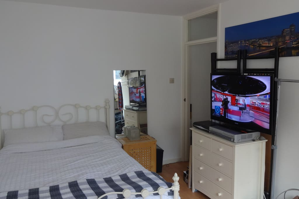 Double bed with 42 inch flat screen, free WiFi and satellite TV