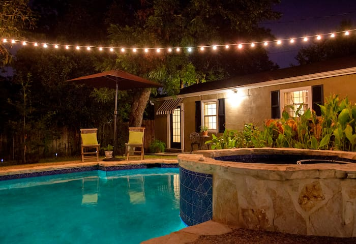 New Private Cottage/ Deco District - San Antonio