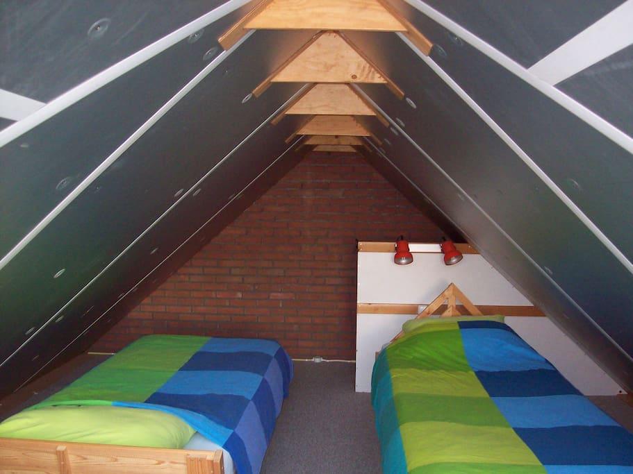Tweepersoons slaapkamer van de 'suite'