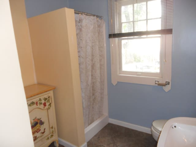 Bathroom has linens available for your use