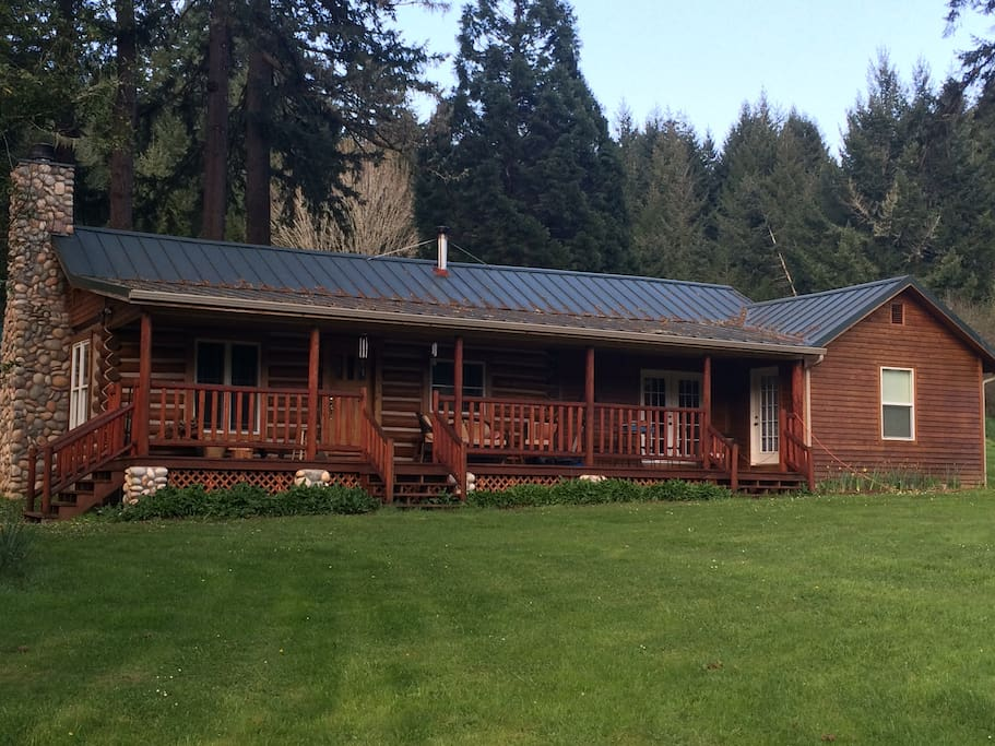 Log cabin retreat cabanes louer cheshire oregon for Log cabin retreat