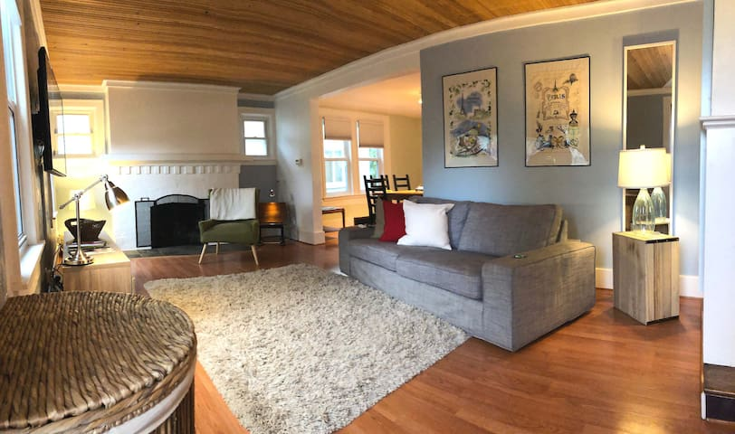 3 Bed Cozy Home in Downtown Ferndale