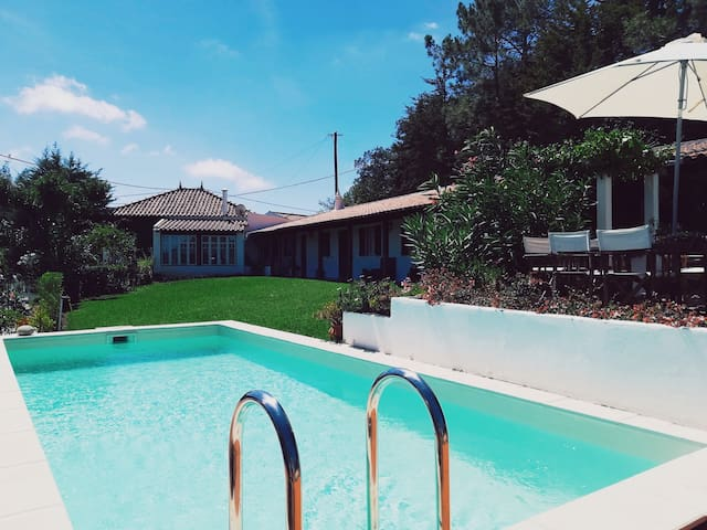 Charming cottage with pool near Lisbon and beaches