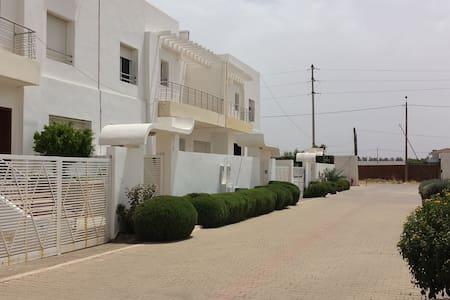 Dar Al Anbar -10 min from Airport - 菲斯 - 别墅