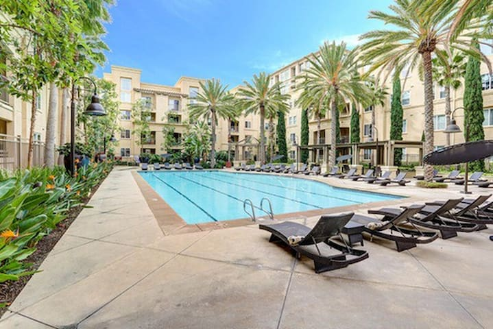 Cozy Luxury Condo Resort in Newport/Irvine - Irvine - Appartement en résidence