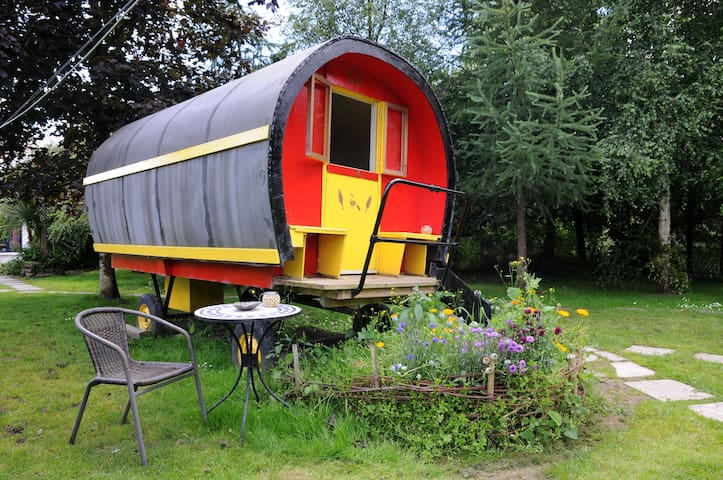 Romantic  Romany Wagon Glamping  Dingle Peninsula