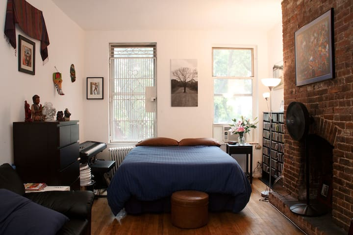 Large Studio - Heart of East Village