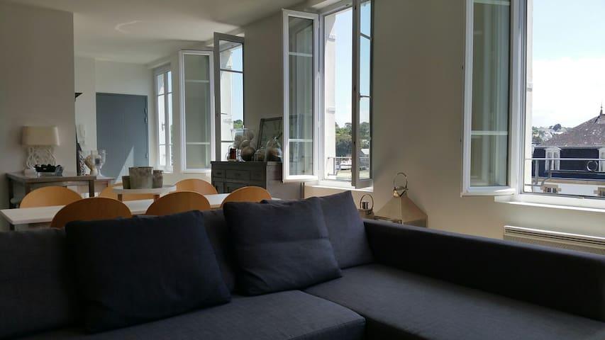 Duplex très lumineux avec vue sur le port - Audierne