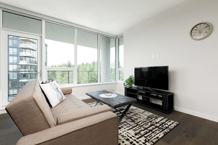 Cozy 2 Bedrooms Condo in UBC