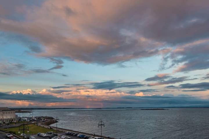Galway Bay Sea View Two Bedroom Penthouse Apts with a Rooftop Terrace