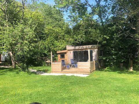 Holmbush Cabin
