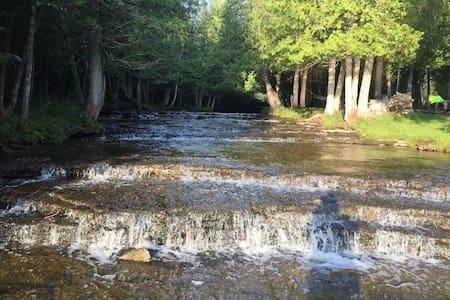 Hunters Brook Hideaway