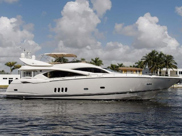 82ft Magnificent Siger Yacht - Best in the City - Cartagena - Boat