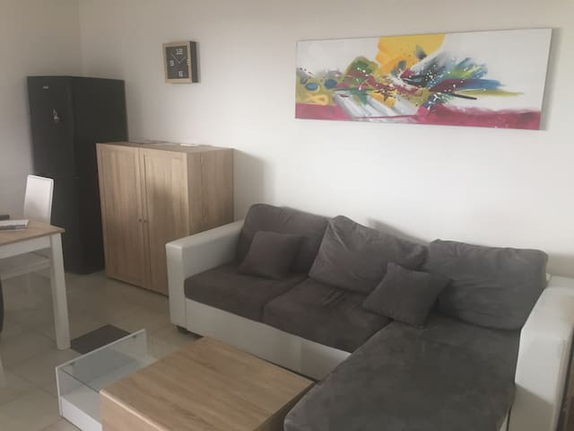 Beautiful flat with all facilities nearby - Saint-Donat-sur-l'Herbasse - Byt