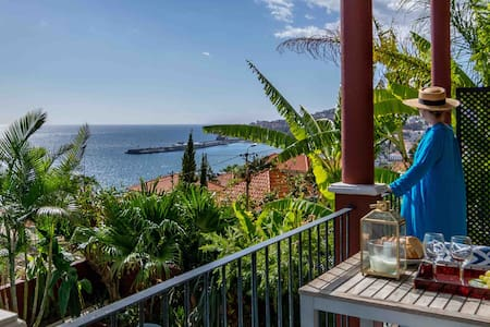 Bay View Private Balcony & Pool Old Town Funchal
