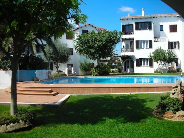 Menorca retreat: lush gardens, fantastic views!