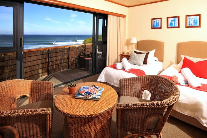 African Perfection 1: Room 7 - Sea View Suite