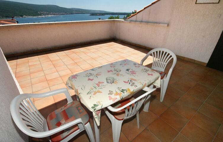 Studio flat with terrace and sea view Kornić, Krk (AS-415-a)