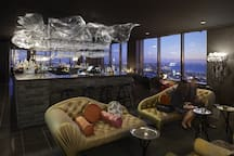 Rialto Lui Bar on 55th level for the best view of Melbourne while enjoy your cocktail