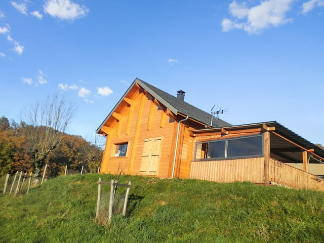Enchanting chalet near Lot River - Espalion - Hytte (i sveitsisk stil)