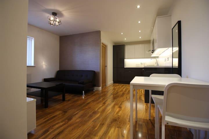 Y3 Apartments, Highnam Suite - Gloucester - Apartment