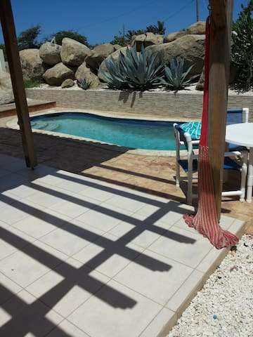 Cozy house with private pool in quiet residential - Oranjestad - Casa