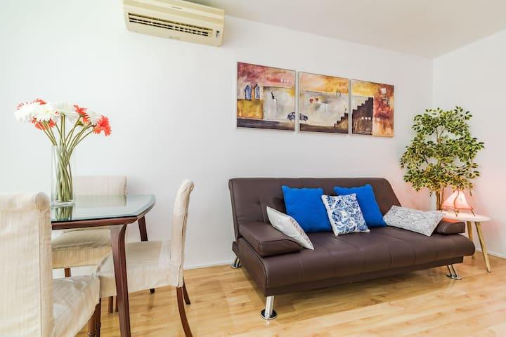 Cozy apartment center in Argüelles