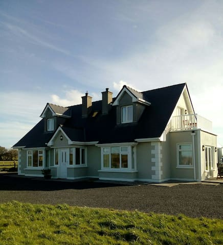 Enniscrone Country Home. - Enniscrone - Casa