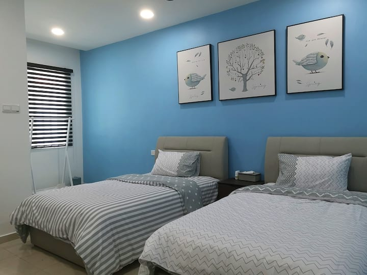 Simfoni18 | Room 2 | Blue | Homey | Kuah
