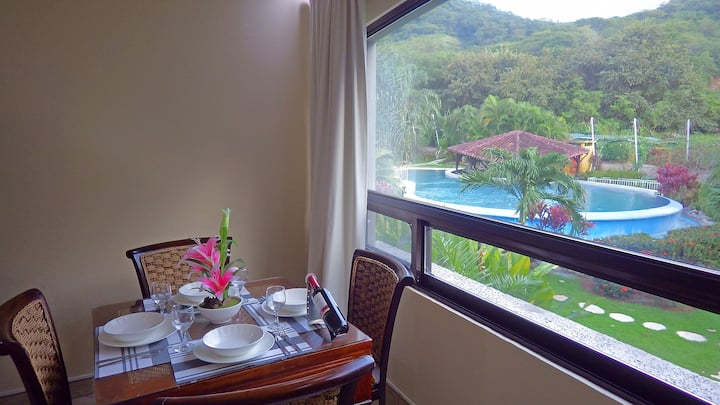 5-STAR Balcony 100mbs  3 smart TVs Oaks Tamarindo
