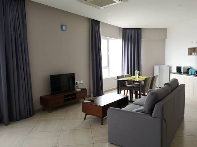 Octagon Family Suite#6 | Ipoh Town Center (4pax)