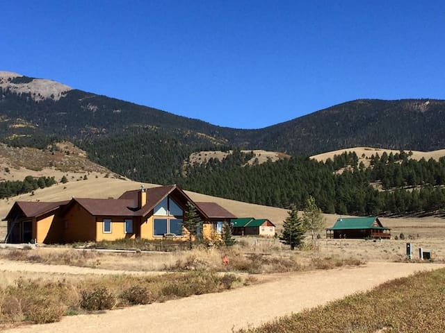 Mountain retreat in Eagle Nest, NM - Eagle Nest - Maison