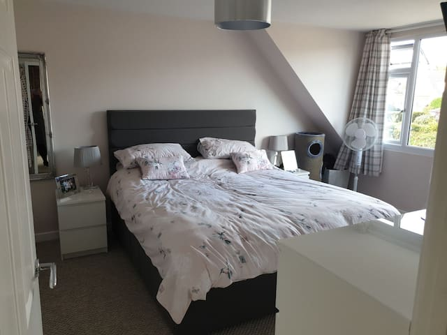 Superking size room with ensuite yeovil